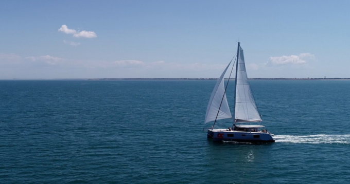 Louer Catamaran avec ou sans skipper Nautitech à La Rochelle