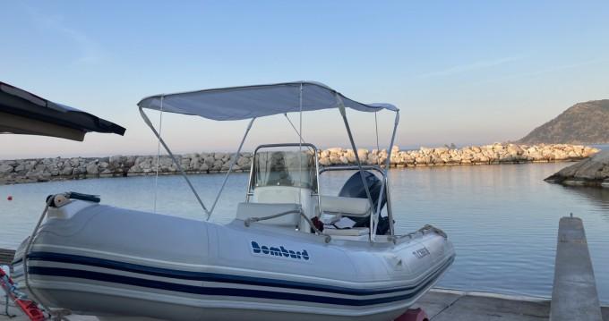 Semi-rigide à louer à La Seyne-sur-Mer au meilleur prix