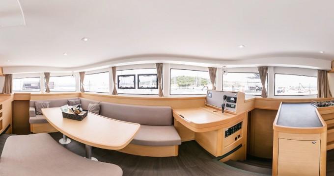 Location bateau Marina di Portisco pas cher Lagoon 450 F