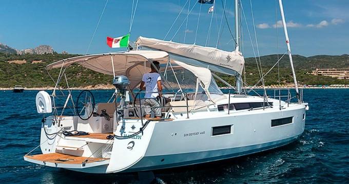 Jeanneau Sun Odyssey 440 entre particuliers et professionnel à Marina di Portisco