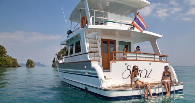 Louer Bateau à moteur avec ou sans skipper Grand Banks à Phuket