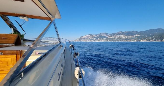 Chris Craft Commander 31 entre particuliers et professionnel à Salerno