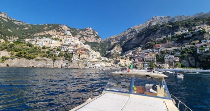 Louer Bateau à moteur avec ou sans skipper Chris Craft à Amalfi