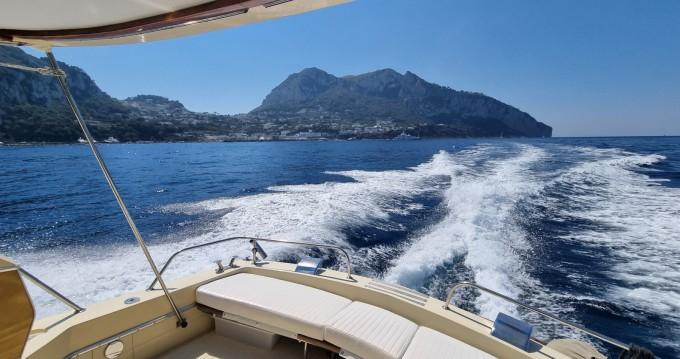 Louez un Chris Craft Commander 31 à Amalfi