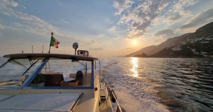 Location bateau Positano pas cher Commander 31