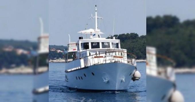 Location bateau Rijeka pas cher Fleur de Lys