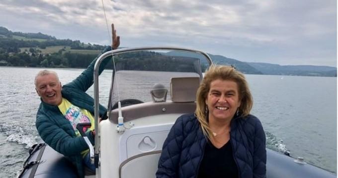 Louer Semi-rigide avec ou sans skipper Bombard à Annecy