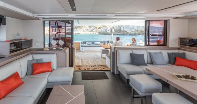 Louer Catamaran avec ou sans skipper Fountaine Pajot à Cogolin