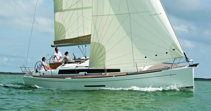 Location bateau Saint-Mandrier-sur-Mer pas cher Dufour 380 GL