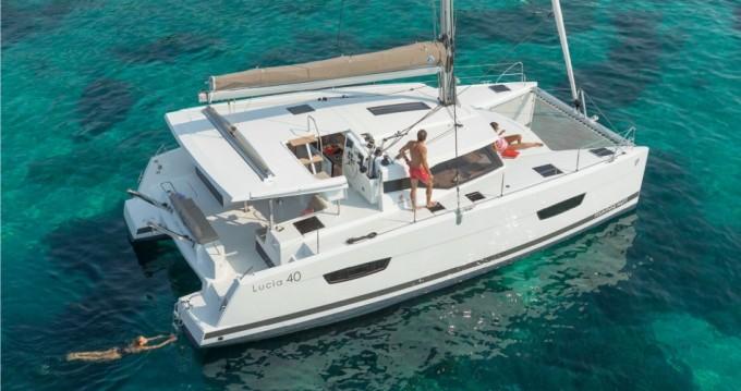 Location bateau Bas du Fort pas cher Lucia 40