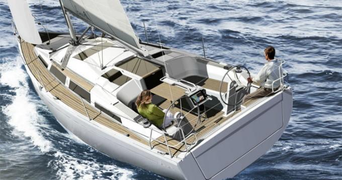 Location bateau Roses pas cher Hanse 345