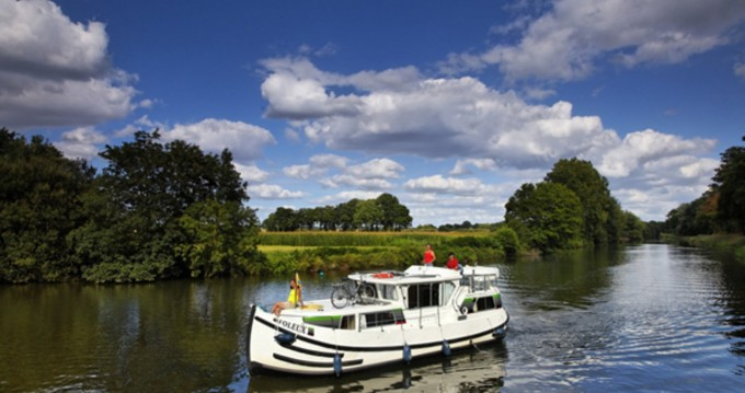 Location bateau Pénichette Flying Bridge 1020 FB à Corbigny sur Samboat