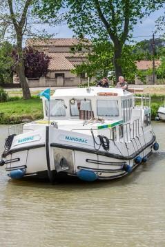 Louer Péniche avec ou sans skipper Pénichette Flying Bridge à Joigny