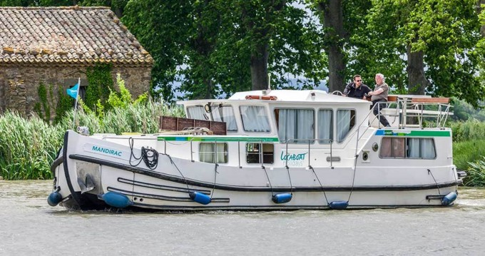 Location yacht à Joigny - Pénichette Flying Bridge 1165 FB sur SamBoat